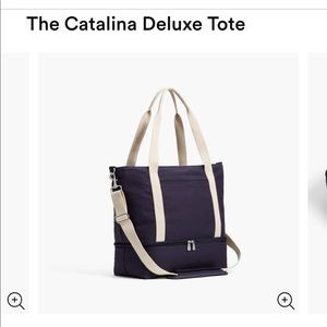"""NWT Lo & Sons """"Catalina Deluxe"""" Tote in Deep Navy"""